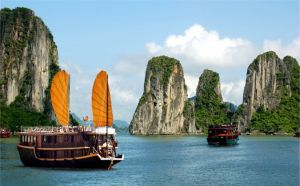 Inspiring photos - Asiam style - halong-bay-boats-vietnam.jpg